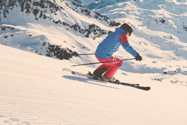 Skiing c-salzburgerland-tourismus